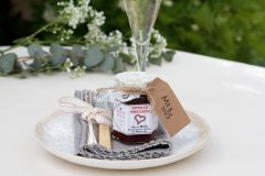 Lace_wedding_favour_plate_champagne.jpg